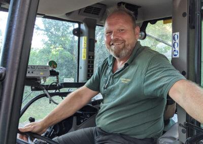 Ernst Heim im Traktor